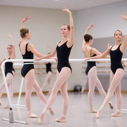 バレエはこれで上達する!初心者は絶対に押さえておきたい基礎練習
