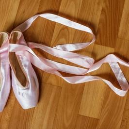 お気に入りのバレエ用品!しっかりお手入れしよう バレエ教室|NOA バレエスクール
