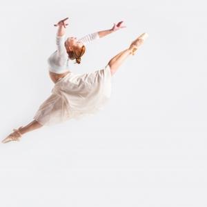 バレエのジャンプの種類|NOAバレエ教室