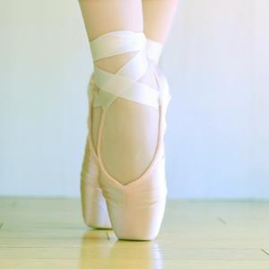 バレエで足の甲が出ているメリットとは | NOAバレエ教室