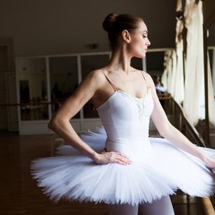 猫背脱却!バレリーナのようなスッと伸びた姿勢になりたい! NOAバレエ教室