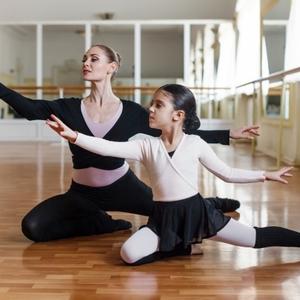 しなやかで柔らかい指先の表現でレベルアップしよう バレエ教室NOA