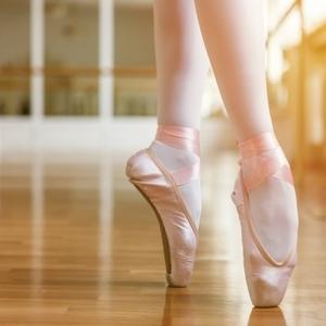 バレエで重要な足首を強化しよう|NOAバレエ教室