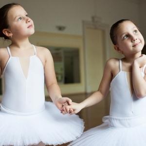 バレエの基本プリエの種類とコツ|NOAバレエ教室